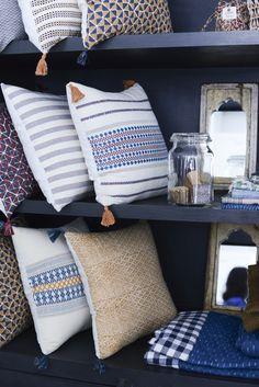 Coussins et objets de décoration intérieur, Jamini design. Photo Vanessa Pouzet Boutique : 10 rue Notre-Dame de Lorette, 75009 - PARIS