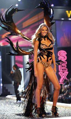 63aa9f3760 Victoria Secret Angel Wings - Bing Images Victoria Secret Angels