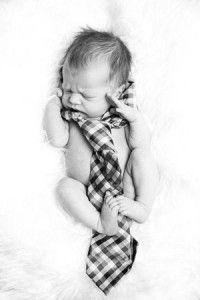 bebê com gravata