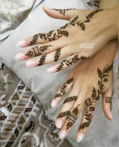 Book ur appointment Decorate ur hand with beautiful henna design Contact me or whatsapp me on 667970216679702166797021 Henna henna henna designer henna kuwait henna inspire girly henna body art body henna fashion Mehendi Cute Henna Designs, Henna Tattoo Designs Simple, Henna Designs Feet, Finger Henna Designs, Beginner Henna Designs, Arabic Henna Designs, Mehndi Designs For Girls, Mehndi Designs For Fingers, Mehndi Design Images