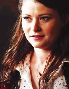 Emilie de Ravin as Belle in Once Upon a Time | Pretty ... Emilie De Ravin Once Upon A Time Tumblr