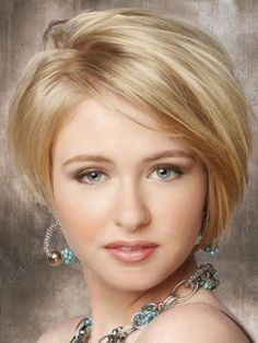 Graceful Short Hairstyles for Round Faces