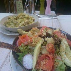 Alfredo Fettuccini and Smoked Salmon Salad with guacamole