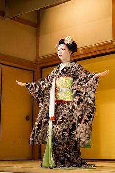 Geisha show 3