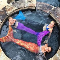 Even mermaids need time to relax #finfun #mermaidtail #mermaids @elcat18