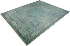 Der Kamla New Mamluk zeigt ein antikes, rund 700 Jahre altes Design, das mit zeitgemässen Farben in ganz neuem Gewand erstrahlt. Die gelungene Kombination aus Tradition und Moderne macht den Teppich zum ganz besonderen Hingucker.