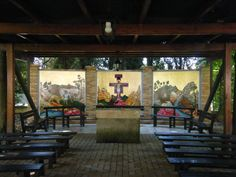 Cappella esterna - Trittico. Opera di Luisa Casaglia