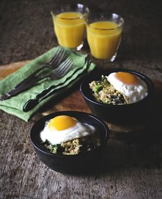 Veggie Quinoa Breakfast Bowl  1 serving    1/2 cup of quinoa, rinsed  1/2 cup of milk  1/2 cup of water  broccoli, cut into florets  mushrooms, sliced  cheddar cheese, grated  salt & pepper, to taste  1 egg