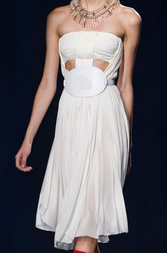 Vionnet at Paris Fashion Week Spring 2015 - Livingly