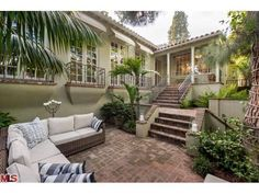 At Last, Jodie Foster Makes 'Contact' With a Buyer in Hollywood Hills   Zillow Blog