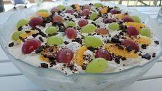 Saras madunivers: Lækker frugtsalat med makroncreme.