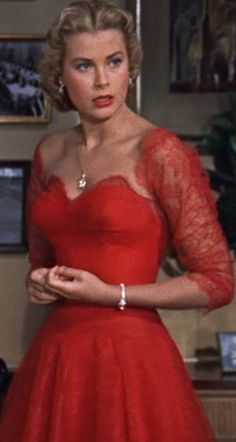 i have a dress so similar to this! I'll always feel like grace kelly when i wear it <3