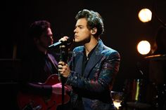 "Harry Styles presenta ""Sign Of The Times"" en The Late Late Show"