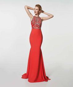 9a656b08ffd3 Abito rosso gioiello Pronovias - Vestito rosso con top gioiello e linea a  sirena di Pronovias