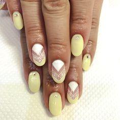 pastel yellow & white spring design nails▲□