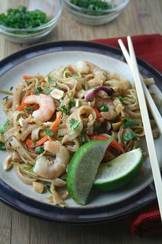 It's the first recipe post of 2016! Yahoo!     You guys. Do you know how many Asian recipes I posted last year?     This is embarrassi...