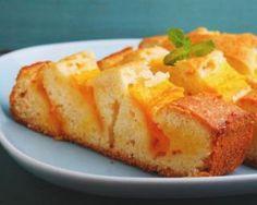 Moelleux facile à la mangue : http://www.fourchette-et-bikini.fr/recettes/recettes-minceur/moelleux-facile-a-la-mangue.html