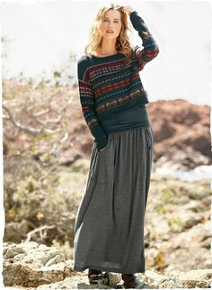 The wear-everywhere jersey skirt is long and easy, with deep oval pockets, soft gathers and a wide elastic waistband. In mélange grey modal ...