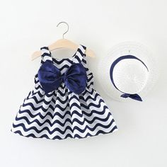 Baby Girl summer dress & hat - Baby Girl Dress - Ideas of Baby Girl Dress Frocks For Girls, Little Girl Outfits, Toddler Girl Dresses, Kids Outfits, Dress Girl, Tee Dress, Baby Dress Design, Baby Girl Dress Patterns, Baby Frocks Designs