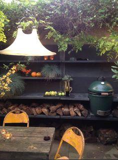 Abigail Ahern - outdoor kitchen in London backyard Small Outdoor Kitchens, Small Outdoor Spaces, Outdoor Kitchen Design, Outdoor Rooms, Outdoor Living, Outdoor Decor, Barbacoa, Back Gardens, Outdoor Gardens