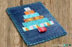 stitchydoo: DIY   Weihnachtskarte mit Weihnachtsbaum aus Webbändern  // jeans recycling #stoffkarte #fabriccard #weihnachten #christmas #christmastree