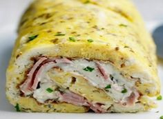 Omelette rolled with ham and goat cheese Egg Recipes, Pizza Recipes, Crockpot Recipes, Vegetarian Recipes, Chicken Recipes, Dinner Recipes, Cooking Recipes, Omelette Roulée, Frittata