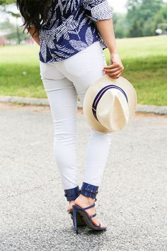 It's time to heat it up with summer's coolest color: blue! The rich hues of true blues has got us crushing hard on style blogger, Johnnybell of NY Trendy Moms', summer outfit. Get the deets here.  #Foxcroft #NYTrendyMoms #fashionblogger #styleblogger #fashion #style #blogger #momblogger #momstyle #fashionista #buttondowshirt #prints