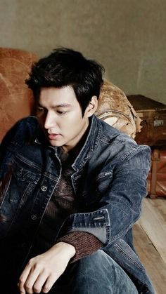 Lee Min Ho for photo shoot Park Hye Jin, Park Hyung Sik, Ahn Jae Hyun, Joo Hyuk, Asian Actors, Korean Actors, Legend Of Blue Sea, Lee Min Ho Photos, Aaron Yan