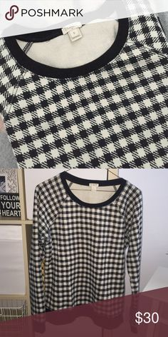 J. Crew Houndstooth Sweater Perfect condition, only worn a handful of times. J. Crew Sweaters Crew & Scoop Necks