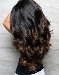 Cool And Stunning Hair style 2019 Black Hair With Highlights, Hair Color Highlights, Hair Color For Black Hair, Brown Hair Colors, Black Highlighted Hair, Black Hair Ombre, Balyage For Black Hair, Dark Brown Hair With Highlights Balayage, Purple Hair