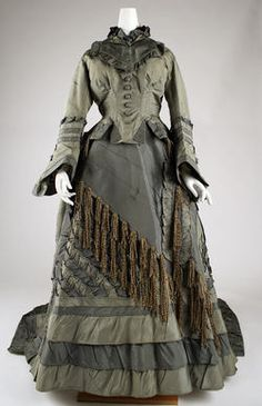 Dress   Date 1870–73 (front view)