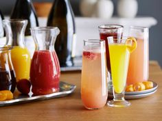 Bellini Bar Recipe : Giada De Laurentiis : use recipes for fruit puree for lemonade Brunch Drinks, Party Drinks, Cocktail Drinks, Fun Drinks, Yummy Drinks, Cocktail Ideas, Brunch Party, Cocktail Recipes, Italian Cocktails
