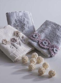 Stil Editörü Etkin Yağmur Coşkun, towel, dantel, havlu, grey, gri, krem, cream, purple, mor, soft, bathroom, banyo, decoration, dekorasyon, tekstil, ev tekstili, home textile, textile,