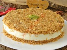 Crispy Outside, Crispy Inside, A Delicious Dessert: Muhallebili Kadayıf Cake - Kuchen Rezepte Turkish Recipes, Mexican Food Recipes, Candy Recipes, Sweet Recipes, Köstliche Desserts, Dessert Recipes, Pizzelle Recipe, Love Eat, Popular Recipes