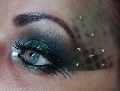 Make up look inspired by Harry Potter House Slytherin.