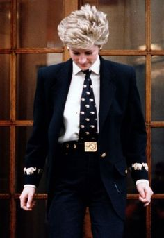 Princess Diana wearing the tie in 1994 - I've never seen this photo before. Is it authentic???