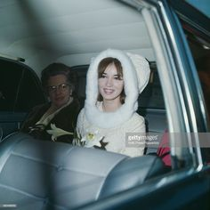 News Photo : Dutch actress Talitha Pol pictured sitting in the... Talitha Getty, John Paul, Back Seat, Dutch, Vintage Fashion, Mini Skirts, Actresses, Celebrities, How To Wear