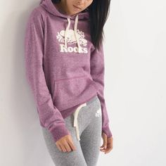 Look for the newest stylish hoodies. Online store putting hoodies from hundreds of outstanding luxurious labels. Hipster Outfits, Casual Outfits, Cute Outfits, Fashion Outfits, Hipster Style, Hoodie Outfit, Sweater Outfits, Roots Clothing, Stylish Hoodies