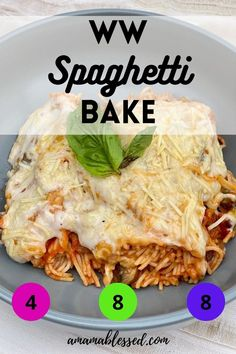 Looking for ww recipes? Whether you're looking for ww blue plan recipes, ww green plan recipes, or ww purple plan recipes, this ww recipe with points won't let you down. If you're looking for ww recipes easy, this is for you! Meatless recipes are important too, and this spaghetti bake has no meat in it! Best Spaghetti, Baked Spaghetti, Spaghetti Recipes, Skinny Recipes, Ww Recipes, Pasta Recipes, Dinner Recipes, Meatless Recipes, Weight Watchers Snacks