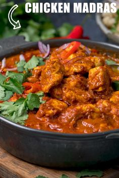 A rich and sumptuous Madras chicken curry - all cooked in one pan. Great for a Friday night fakeaway! Veg Recipes, Easy Chicken Recipes, Indian Food Recipes, Asian Recipes, Vegetarian Recipes, Cooking Recipes, Healthy Recipes, Healthy Food, Tamarind Recipes Chicken