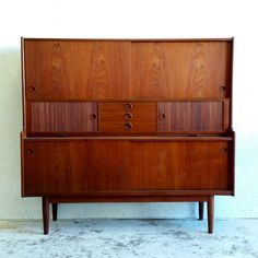 Retro Danish Teak Sideboard / Credenza / Bar Cabinet