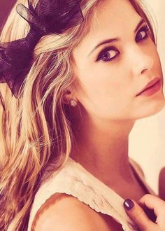 Can we all just agree that Ashley Benson is...just...umfff <3 <3 <3