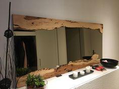 Spiegel mit Apfelholzrahmen