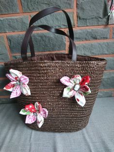 The craft bag is beautifully decorated with Cotton Fabric Flowers it is spacious, spacious and so versatile to use It is 43 cm wide and 33 cm high Cotton Decor, Craft Bags, Shopper, Fabric Flowers, Straw Bag, Cotton Fabric, Reusable Tote Bags, Etsy, Crafts