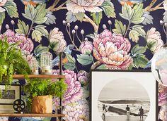 Vintage Floral Tapete-Tapete-Blumen-Tapete. Der Druck zeigt eine Malerei mit Wasserfarben. Das Thema ist ein Holz mit schönen Blättern, Blumen und Vögel. Sehr empfindlich und anspruchsvoll ist es sinnvoll, eine Wand eine wichtige Note verleihen. Die Packung enthält 8 Blatt