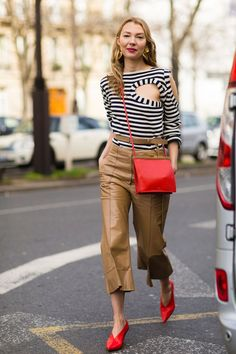 The Best Street Style From Paris Fashion Week Roberta Benteler - The Cut Style Désinvolte Chic, Street Style Chic, Cool Street Fashion, Street Style Looks, Mode Style, Casual Chic, Style Casual, Fashion Week, Look Fashion