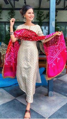 Silk Kurti Designs, Simple Kurta Designs, Kurta Designs Women, Kurti Designs Party Wear, Stylish Dress Designs, Designs For Dresses, Stylish Kurtis Design, Stylish Dresses, Long Kurta Designs