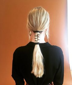33 Upgraded Ponytail Hairstyles That Take Your Updo to the Next Level - theFashionSpot Ponytail Hairstyles, Cool Hairstyles, Hairstyle Ideas, Hairstyle Photos, Beach Hairstyles, Men's Hairstyle, Hairstyles Haircuts, Messy Ponytail, Daily Hairstyles