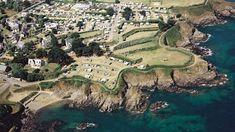 10 campings direct aan zee in Bretagne - Tips voor je vakantie in Frankrijk City Photo, Golf Courses, Saints, Camping, To Go, Paris, Outdoor, October, Brittany