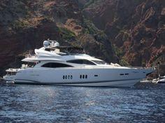 Sunseeker 90 Yacht 2008 - £ 2,495,000 ex VAT - dbeere yachts, yacht sales, sunseeker, luxurious motoryachts, luxurious yachts, dbeere, yacht brokerage, Debbie Beere, Boat sales, Used boat sales, New boat sales, authorised sunseeker dealer - dbeere yachts